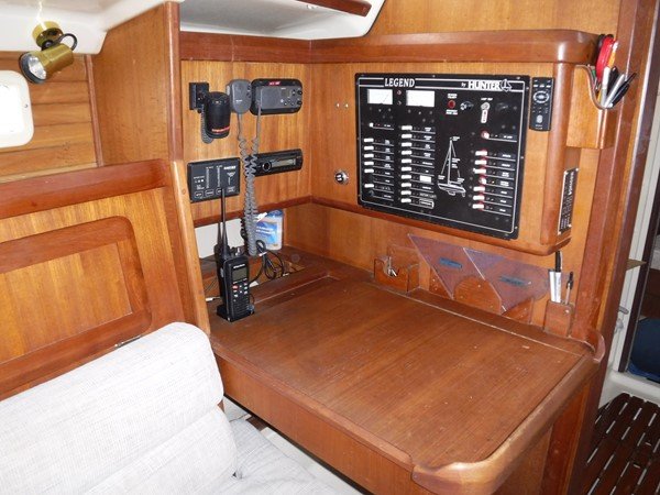 1994 HUNTER  Sloop 2390206