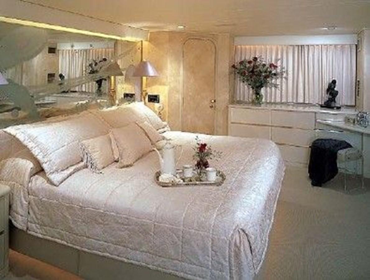 Full Beam Master Stateroom 1988 DENISON High Speed Motoryacht Mega Yacht 2781794