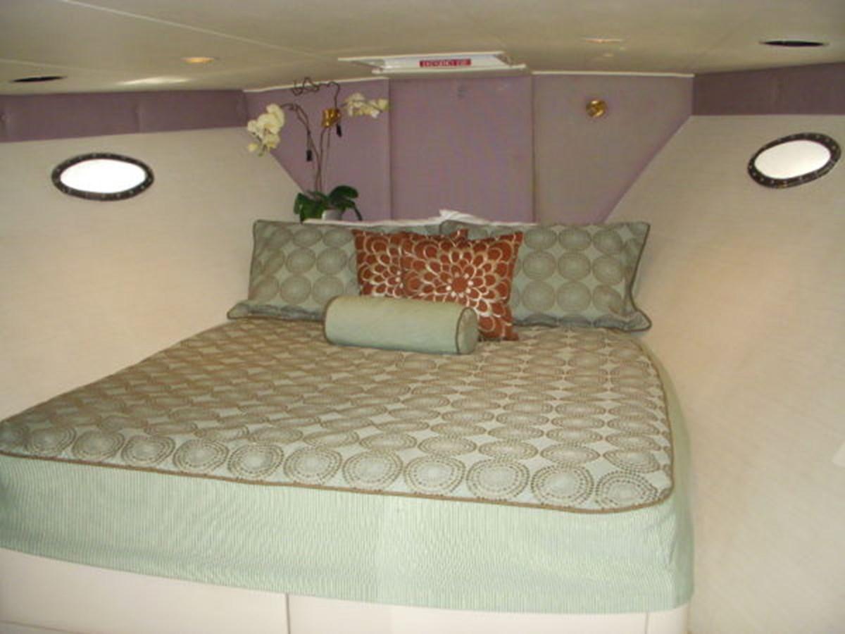 VIP Stateroom (Forward) 1988 DENISON High Speed Motoryacht Mega Yacht 2781797