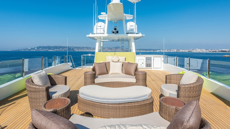 2014 JADE YACHTS  Mega Yacht 2404194