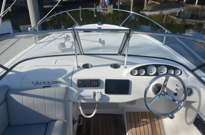 2013 Vanquish Boats  Runabout Runabout 2398214
