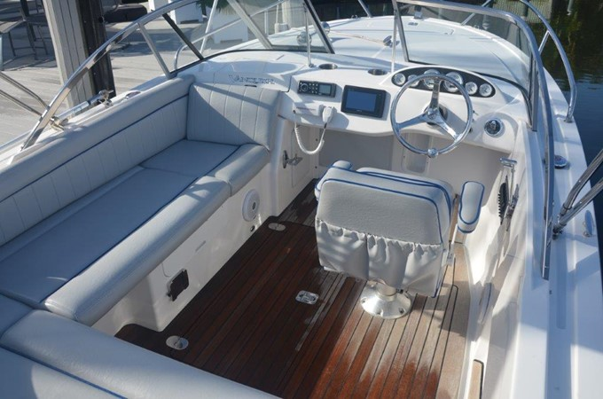 2013 Vanquish Boats  Runabout Runabout 2398217