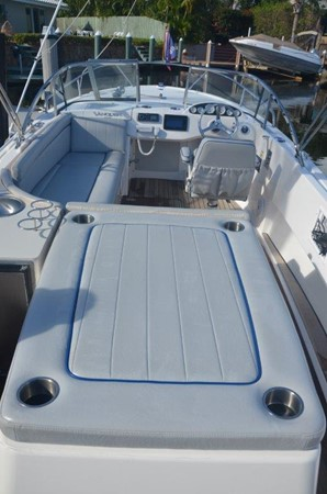 2013 Vanquish Boats  Runabout Runabout 2398221