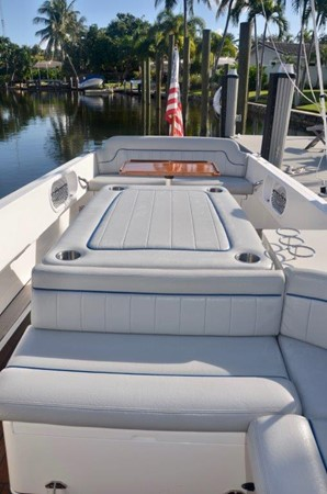 2013 Vanquish Boats  Runabout Runabout 2398222