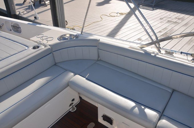 2013 Vanquish Boats  Runabout Runabout 2398225