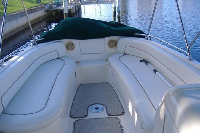 1998 SEA RAY Sundeck Deck Boat 2400523