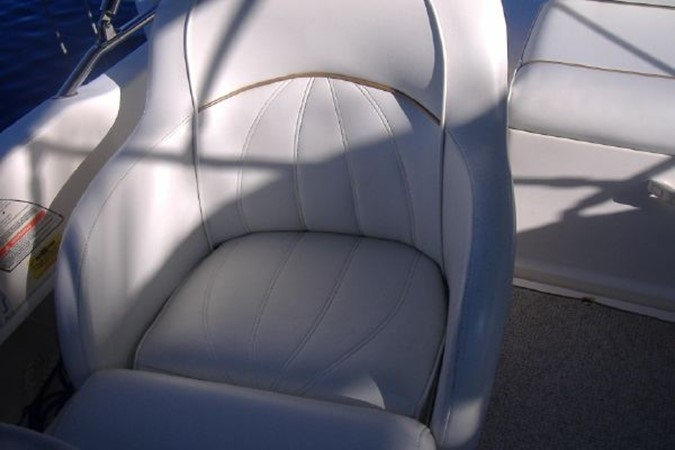 1998 SEA RAY Sundeck Deck Boat 2400529
