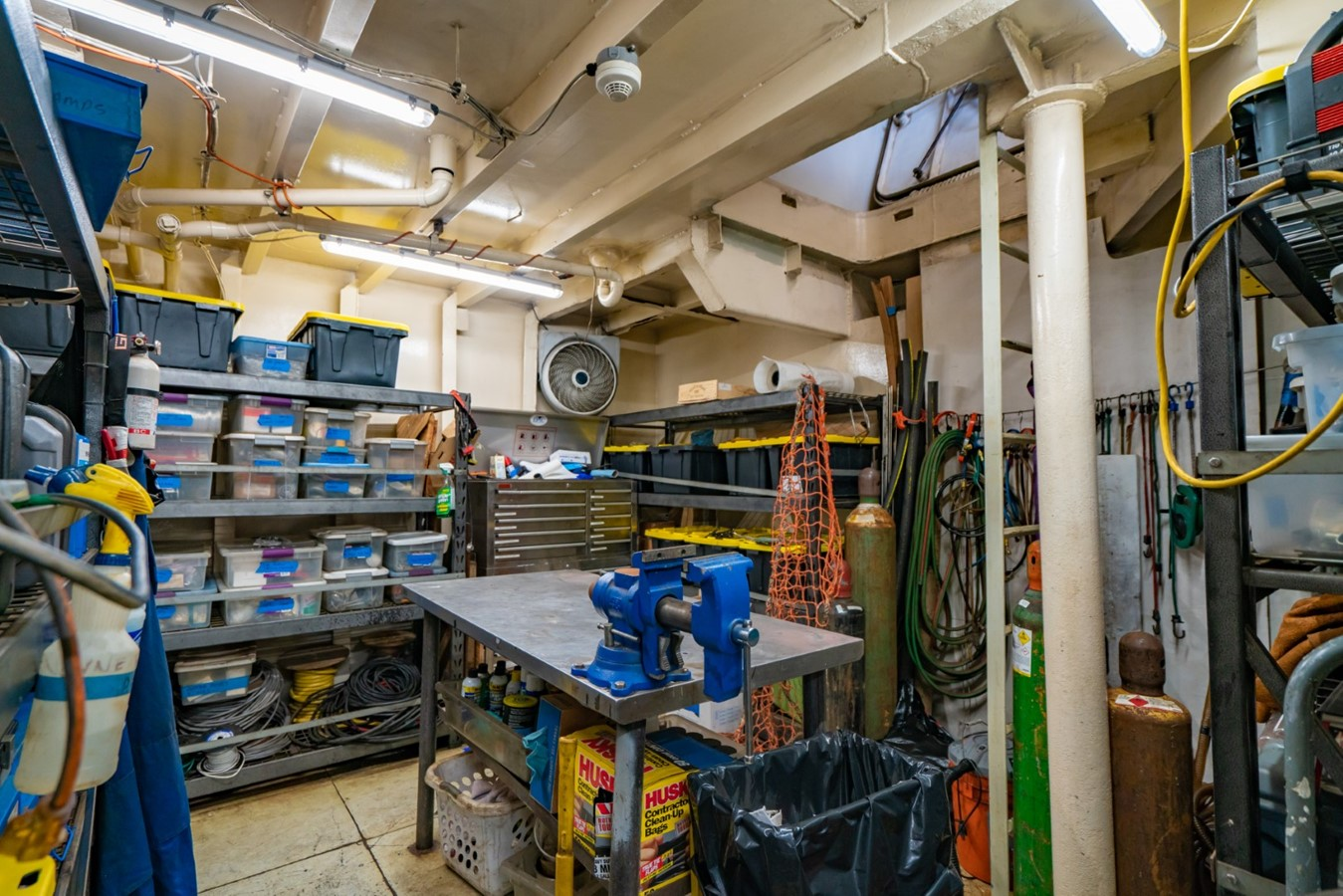 Work Room 1978 BLOUNT MARINE Expedition Vessel Expedition Yacht 2480661