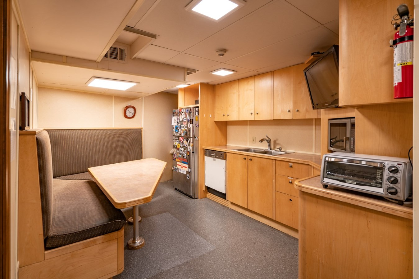 PACIFIC PROVIDER 160 Crew Mess  1978 BLOUNT MARINE Expedition Vessel Expedition Yacht 2737746