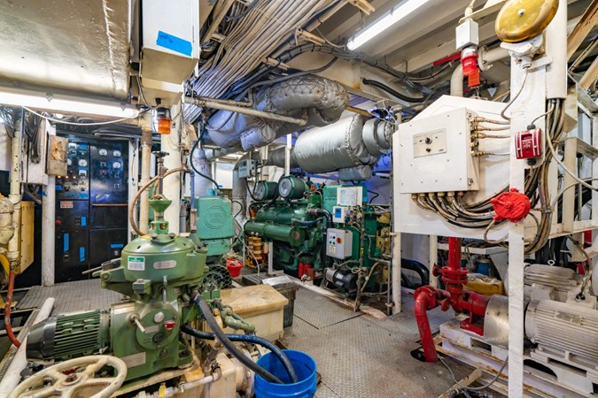 Engine Room Port 1978 BLOUNT MARINE Expedition Vessel Expedition Yacht 2480151