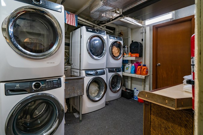Laundry Room 1978 BLOUNT MARINE Expedition Vessel Expedition Yacht 2480659