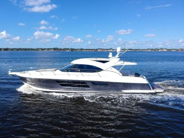 2015 RIVIERA 5000 Sport Yacht Motor Yacht 2404206
