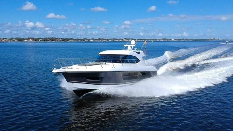 2015 RIVIERA 5000 Sport Yacht Motor Yacht 2404207