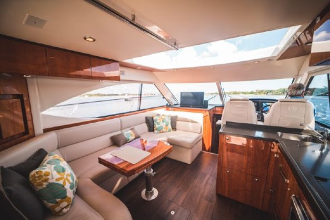 2015 RIVIERA 5000 Sport Yacht Motor Yacht 2404210