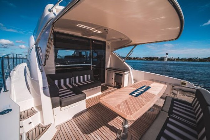 2015 RIVIERA 5000 Sport Yacht Motor Yacht 2404211