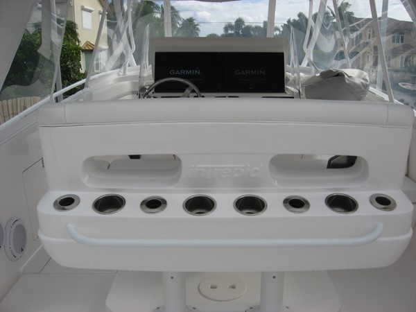 2017 INTREPID 400 Cuddy Center Console 2414943