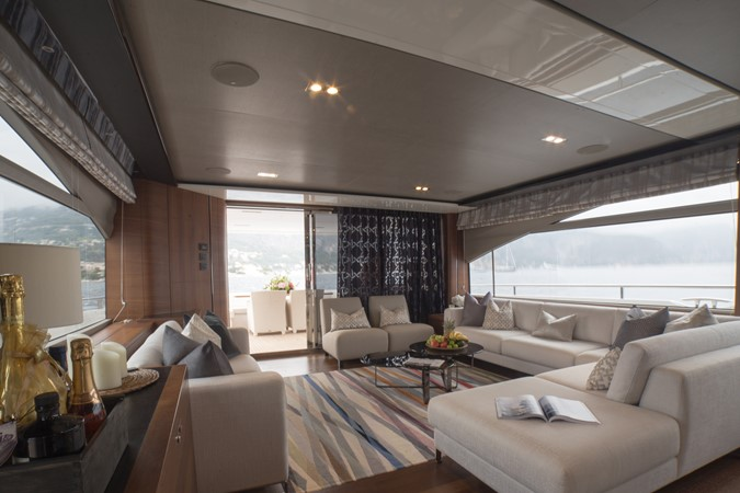 2014 PRINCESS YACHTS Princess 88 Motor Yacht 2405625