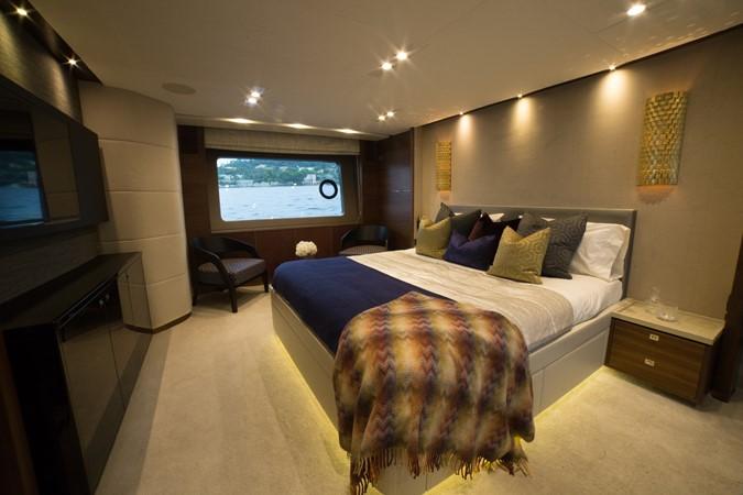 2014 PRINCESS YACHTS Princess 88 Motor Yacht 2405626