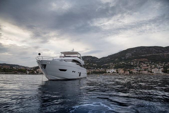 2014 PRINCESS YACHTS Princess 88 Motor Yacht 2406545