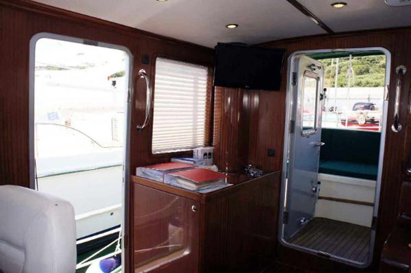 2014 DIESEL DUCK 50' Trawler 2406419