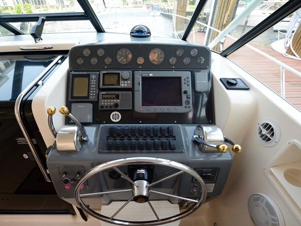 1997 TIARA  Cruiser 2407320