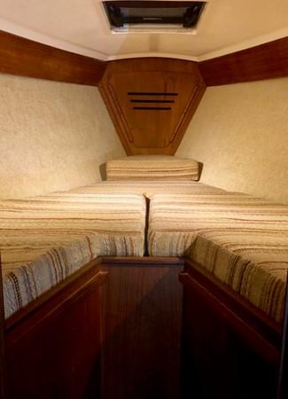 1985 TARTAN YACHTS 3000 Sloop 2408858