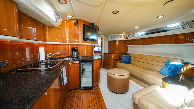 Galley/Salon 2002 SEA RAY 580 Super Sun Sport Cruiser 2580671