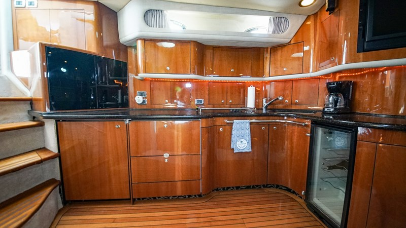 Galley 2002 SEA RAY 580 Super Sun Sport Cruiser 2580672
