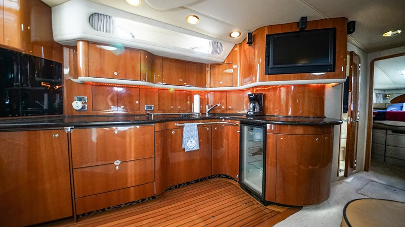 Galley 2002 SEA RAY 580 Super Sun Sport Cruiser 2580673
