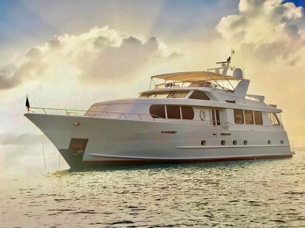 2001 BROWARD Raised Pilothouse Motor Yacht 2423655