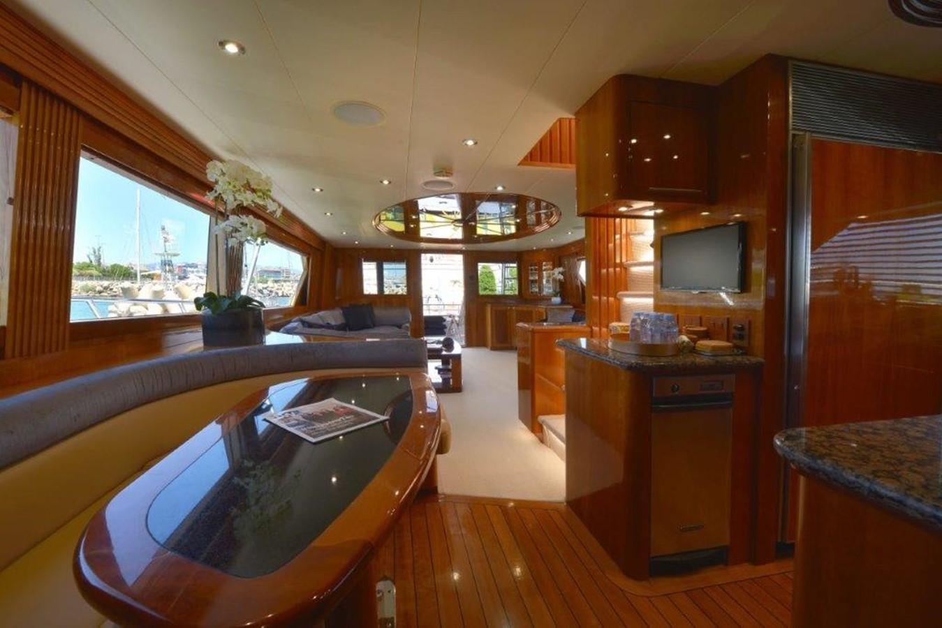 Dinette 2003 HATTERAS Convertible Enclosed Bridge Sport Fisherman 2434618