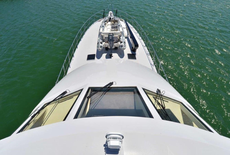 Bow 2003 HATTERAS Convertible Enclosed Bridge Sport Fisherman 2434637