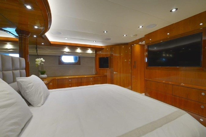 Master Stateroom 2003 HATTERAS Convertible Enclosed Bridge Motor Yacht 2434621