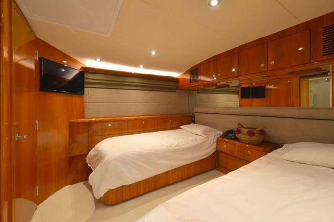 Port Guest Twin Stateroom 2003 HATTERAS Convertible Enclosed Bridge Motor Yacht 2434624