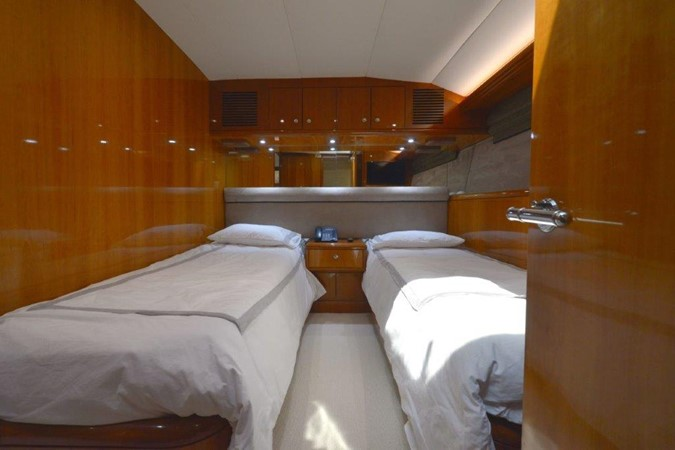 Starboard Guest Twin Stateroom 2003 HATTERAS Convertible Enclosed Bridge Motor Yacht 2434626