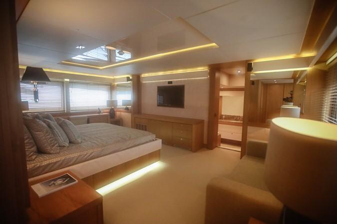 2011 SUNSEEKER Predator 115 Motor Yacht 2517883
