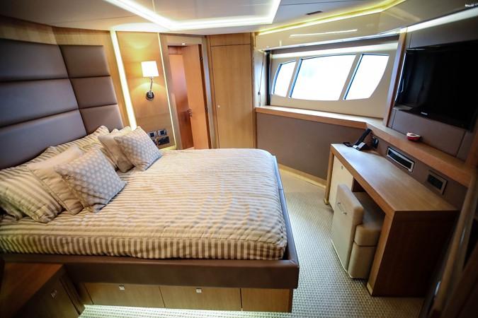 2011 SUNSEEKER Predator 115 Motor Yacht 2517886