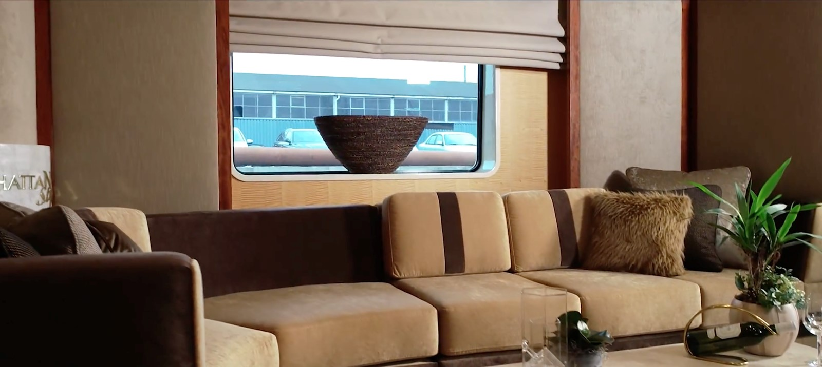 Main Salon 1994 OCEANCO  Motor Yacht 2424969