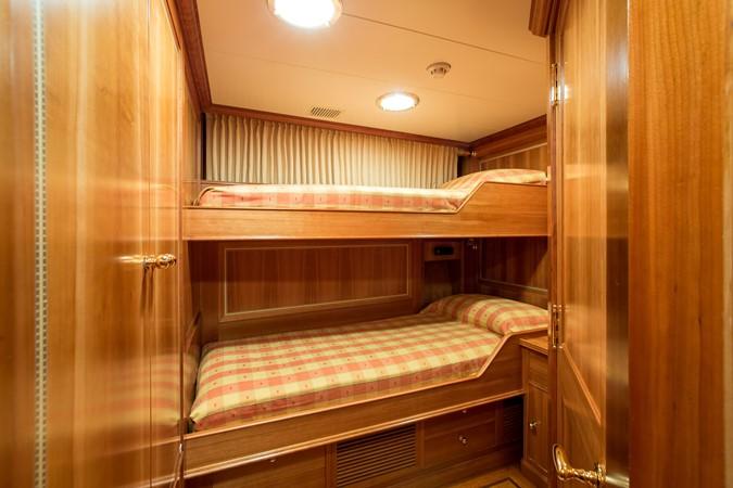 2001 PERINI NAVI  Cruising Sailboat 2426339