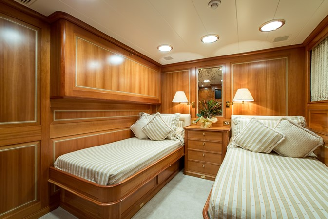 2001 PERINI NAVI  Cruising Sailboat 2426340