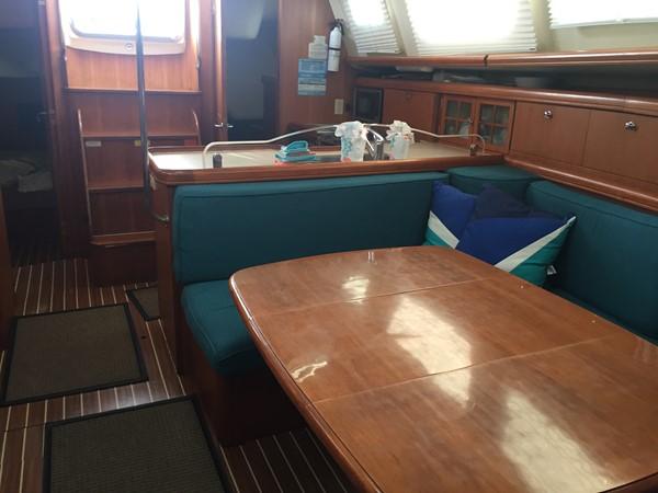 2007 HUNTER 44 DS NEW ENG/GEN/MAST Deck Saloon 2429555