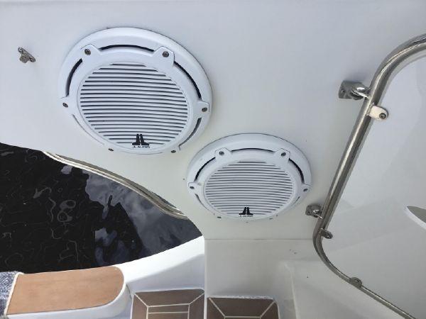 JL Speakers 2005 CARVER Cockpit Motoryacht Motor Yacht 2429725