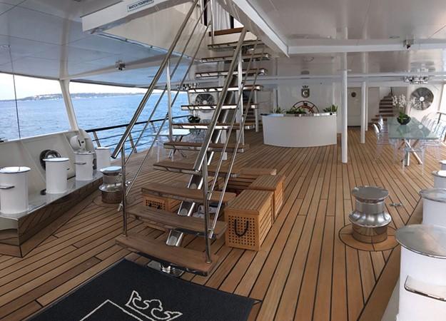 1998 DEVONPORT YACHTS  Motor Yacht 2431109