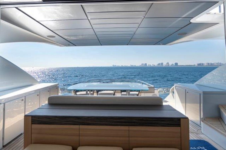 Salon Looking Aft 2014 PERSHING  Motor Yacht 2431329