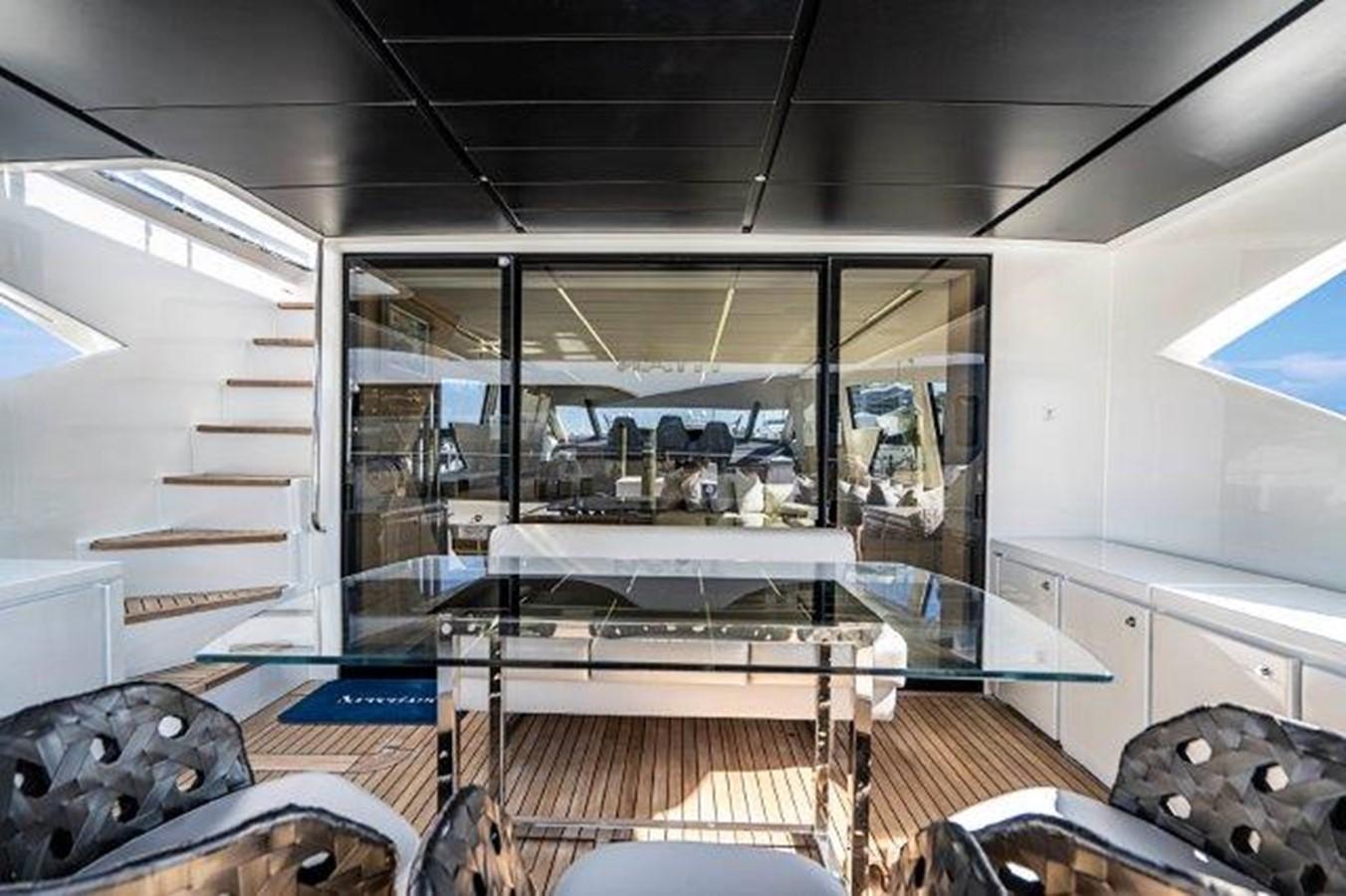 Salon/Aft Deck 2014 PERSHING  Motor Yacht 2431331