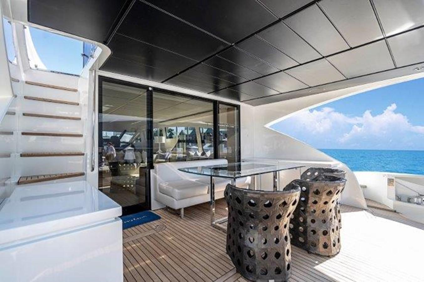 Aft Deck 2014 PERSHING  Motor Yacht 2431332