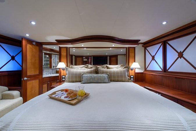 2006 CHEOY LEE Bravo Series Motor Yacht 2431809