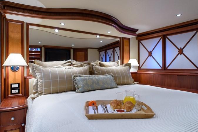 2006 CHEOY LEE Bravo Series Motor Yacht 2431813