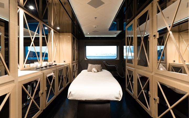 2013 ABEKING & RASMUSSEN  Motor Yacht 2448302