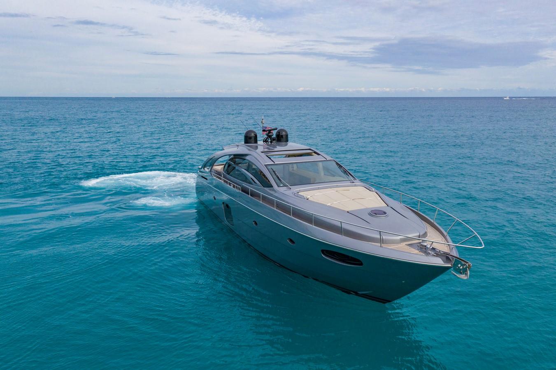 2016 PERSHING 70 Express Cruiser 2439238